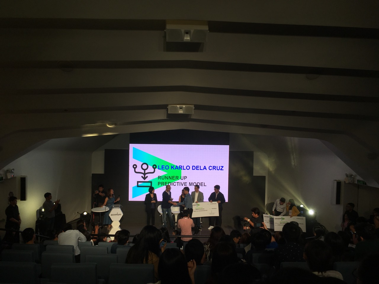 karlo-3 lloopp is First Runner -up in Accenture's Data Challenge